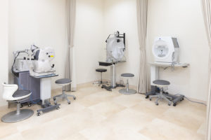本郷眼科の検査室と機器